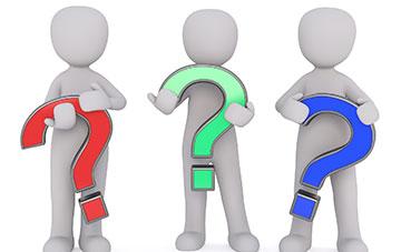 drei Männchen mit Fragezeichen
