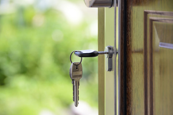 Schlüssel steckt im Schloss